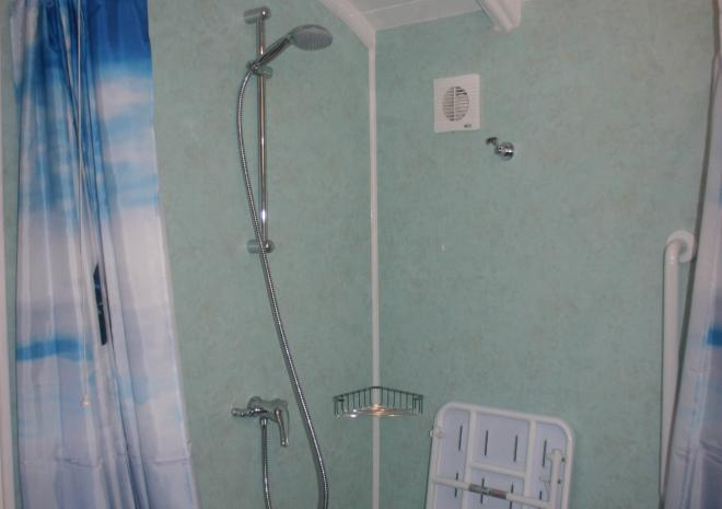 The roll in shower in Millpool
