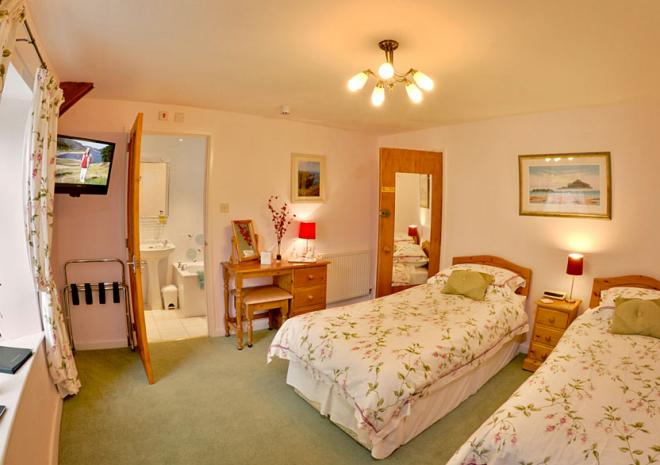 The Old Coach House, Boscastle, North Cornwall, B&B, Penally Room