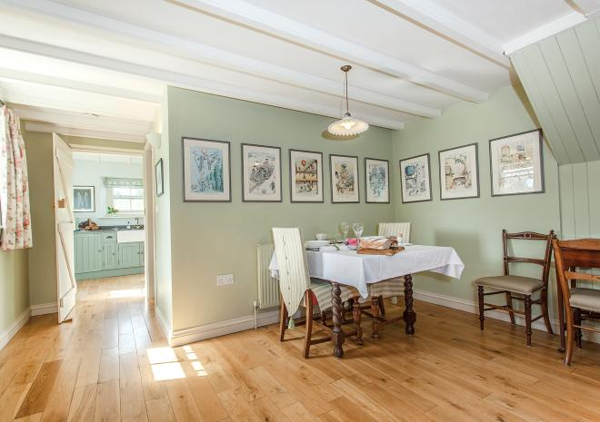 Ring and Thimble dining area