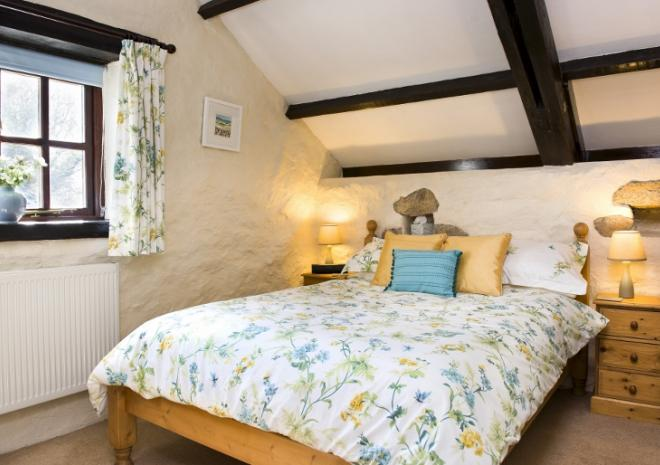 Comfortable double room in Lavender Cottage