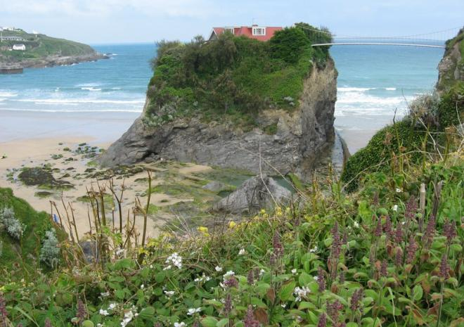 The Island - Towan Beach, Newquay c Jennifer Rowlandson SWCP