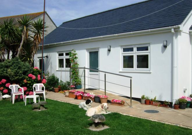 The Three Tees, Bed and Breakfast, Newquay, Cornwall