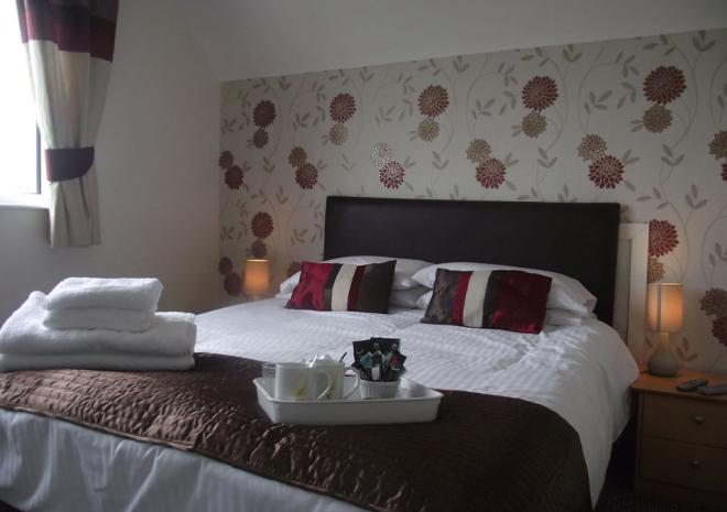 Trevarrian Lodge Bed and Breakfast, Mawgan Porth, Cornwall