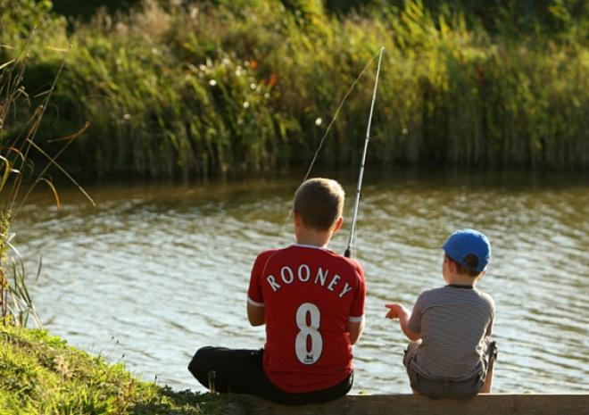 Holiday Park in Cornwall with fishing lake