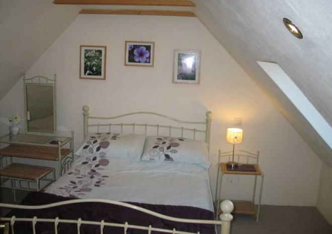 Wreckers Double Room | Cottages in Cornwall | Higher Rosevine Farm | Portscatho | Cornwall