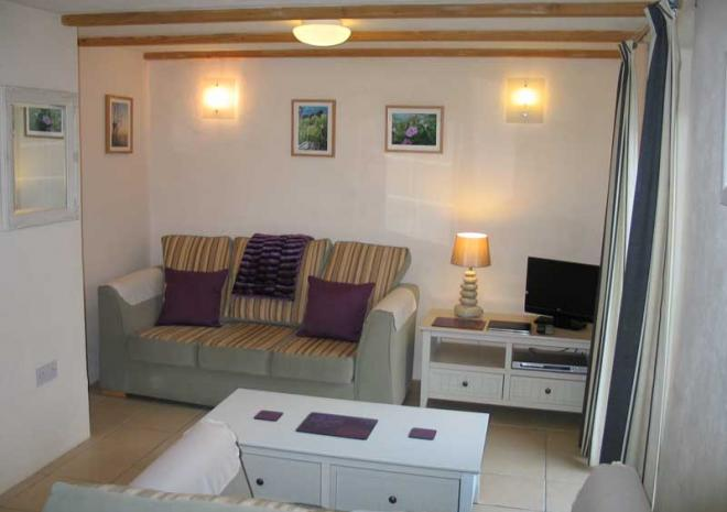 Wreckers Living Area | Cottages in Cornwall | Higher Rosevine Farm | Portscatho | Cornwall