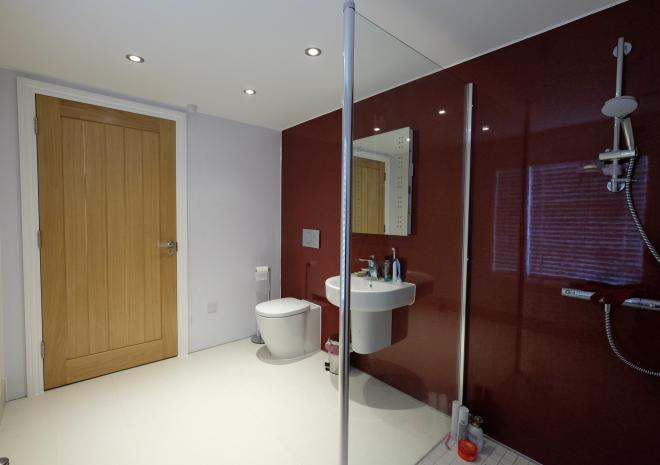 Self-Catering Falmouth Castle Apartment Luxury Wet Room