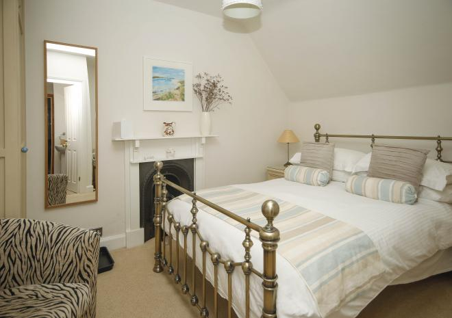 Room 4 offers double en-suite accommodation at Brookdale Bed and Breakfast