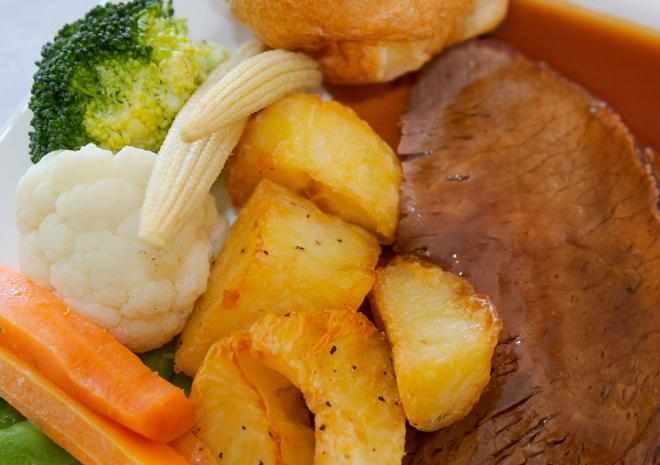 Sunday roast at Beaucliffes, Porth Veor Mnaor