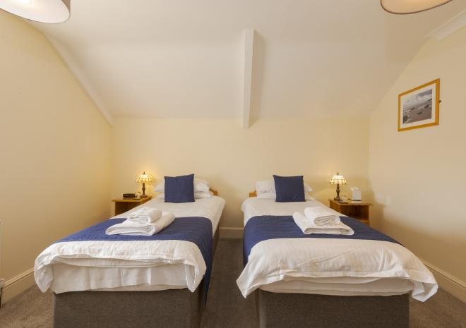 Twin bedroom, Porth Veor Manor, Porth, Newquay, Cornwall