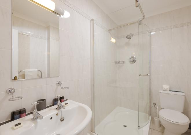 En-suite bathroom, Porth Veor Manor Hotel