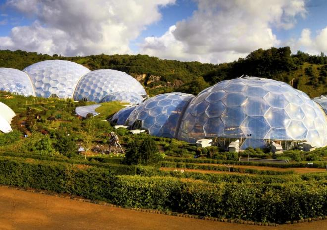 Eden Project 15 mins away