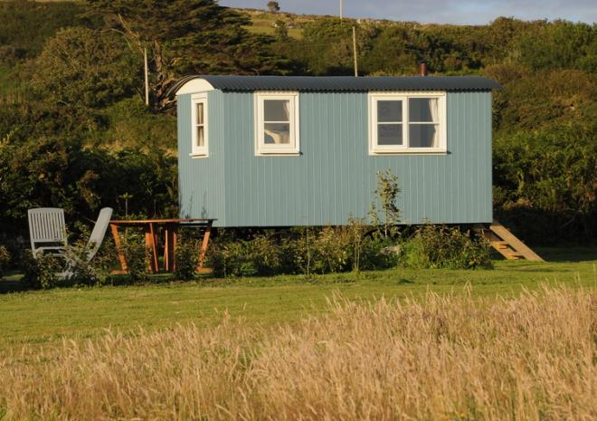 Tremorvu Shepherds hut, Porthleven, Cornwall