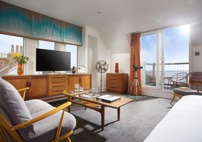 Superior King Room, with Sea Views and Private Balcony