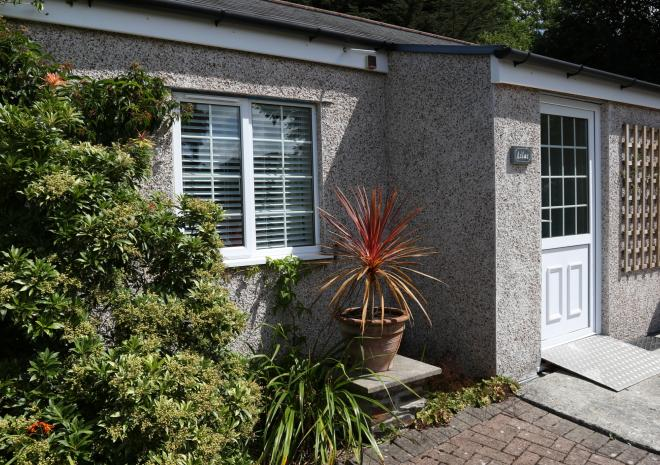 Self Catering holiday cottages with private parking and patio garden