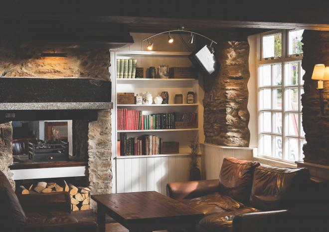 county-arms-cornwall-truro-pub-interior-st-austell-brewery