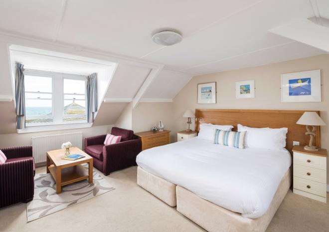 double-room-the-ship-inn-mousehole-hotels-in-cornwall-cornish-harbour