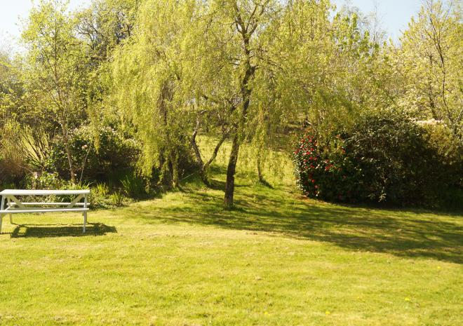 Badgers Sett Holiday Cottages - One Acre Garden