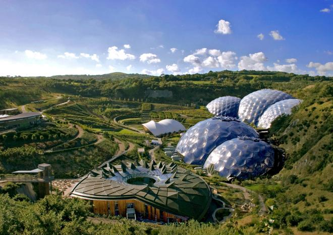 Luxury holiday cottage accommodation with swimming pool near Eden Project