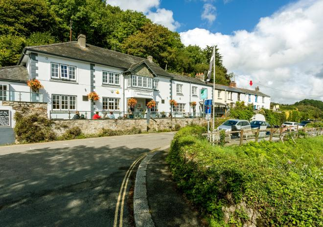 Trenhaile Terrace - featuring the Heron Inn and Fal River Cottage