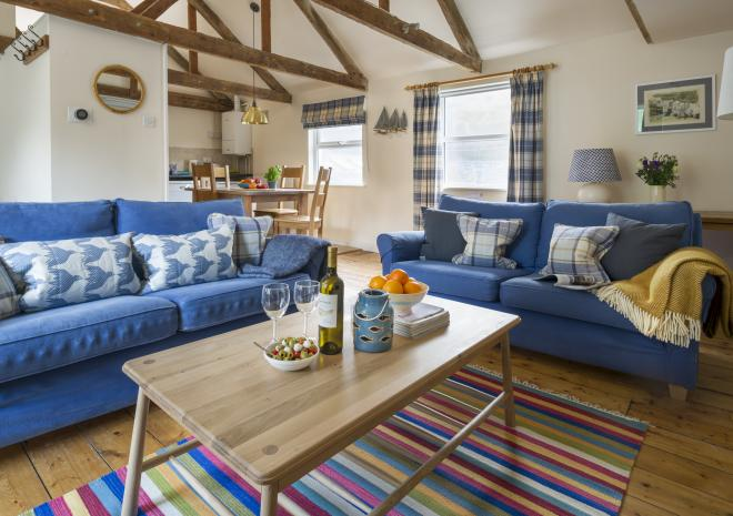 Courtyard | warm and welcoming | Cottages in Cornwall | Port Isaac