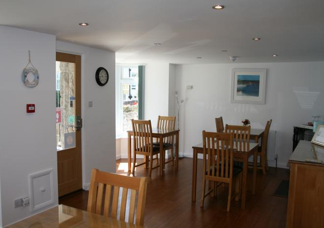 Spacious Dining Room at Count House Cottage B&B, Carbis Bay, St Ives