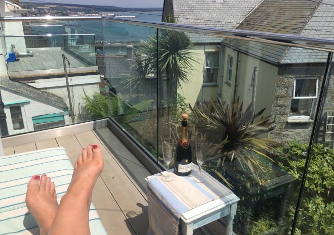Relax, read, breakfast, have a wine with splendid sea and views from first floor glass balcony