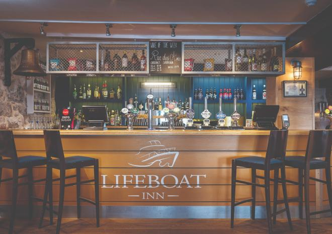 lifeboat-inn-st-ives-bar-cornwall-st-austell-brewery