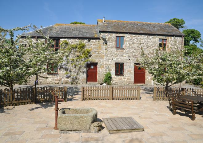courtyard at Chark Country Holidays Cornwall