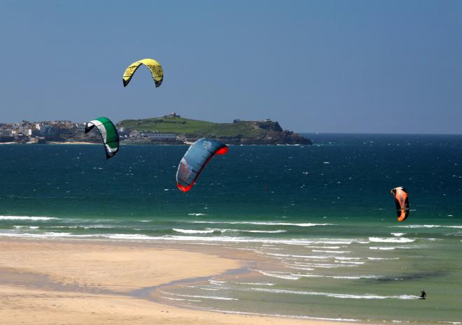 Kitesurfing on Hayle Beach