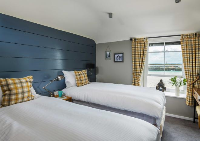lifeboat-inn-st-ives-cornish-hotel-cornwall-st-austell-brewery