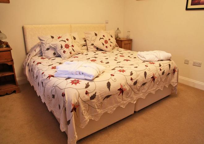 Bed and Breakfast Cornwall , Little Roseveth , Truro , Cornwall