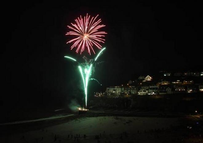 Looe New Year Celebrations | Fireworks | copyright ianfoster | fozimage