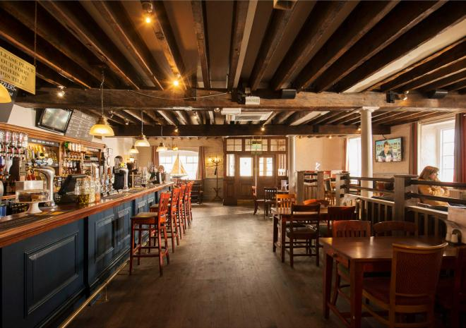 old-custom-house-interior-cornwall-padstow-st-austell-brewery-pub