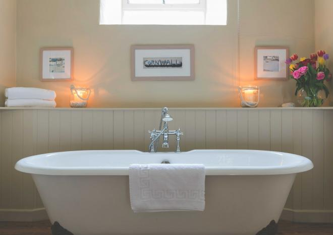 old-custom-house-padstow-cornwall-bath-hotels-in-cornwall-cornish-st-austell-brewery