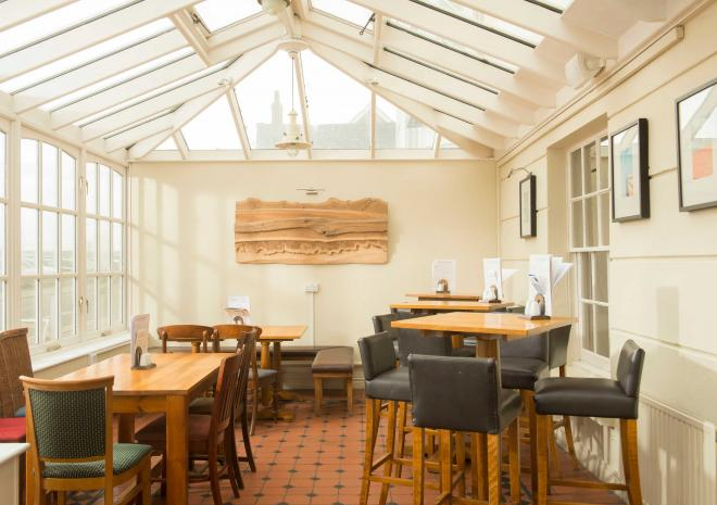 old-custom-house-padstow-cornwall-conservatory-st-austell-brewery-pubs