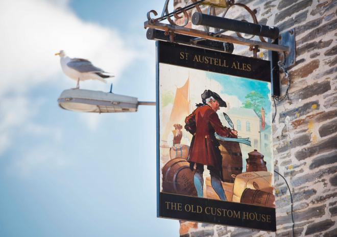old-custom-house-st-austell-brewery-pubs-padstow-cornwall
