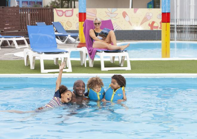 Outdoor Swimming Pool, Mullion Holiday Park
