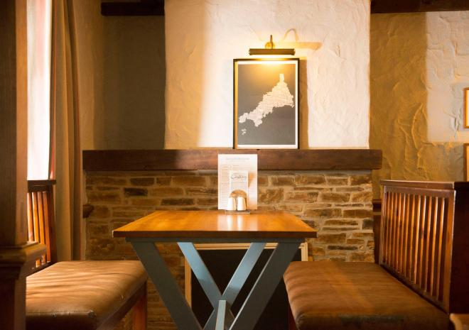 padstow-old-custom-house-cornwall-st-austell-brewery-interior-pubs