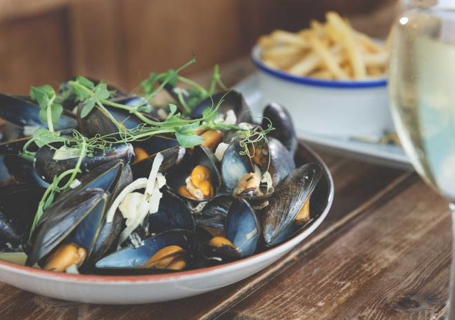 port-william-tintagel-st-austell-brewery-mussels-pubs-in-cornwall
