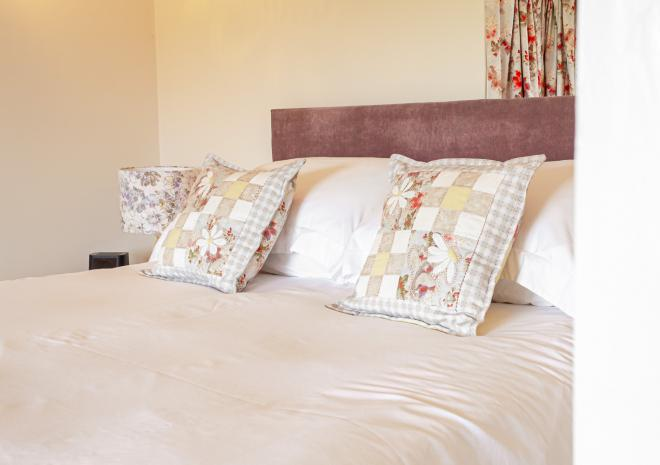 Primrose Cottage B&B, Tamar View, King-size Bedroom