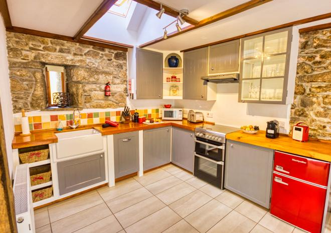 Rosemary Cottage - Fully Fitted Kitchen with Dishwasher