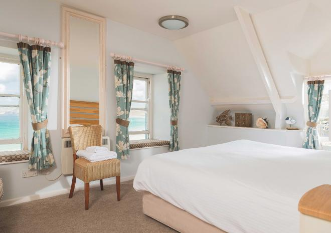 sea-view-bedroom-old-success-cornwall-sennen-cornish-hotels-and-pubs-st-austell-brewery