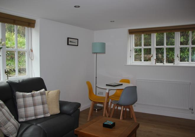 Self-Catering Holiday Apartment Falmouth Cornwall Castle Apartment Lounge Diner