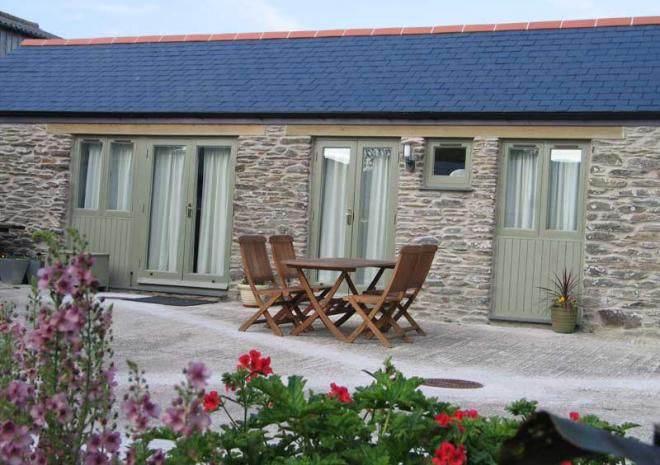 Smugglers Barn | Cottages in Cornwall | Higher Rosevine Farm | Portscatho | Cornwall