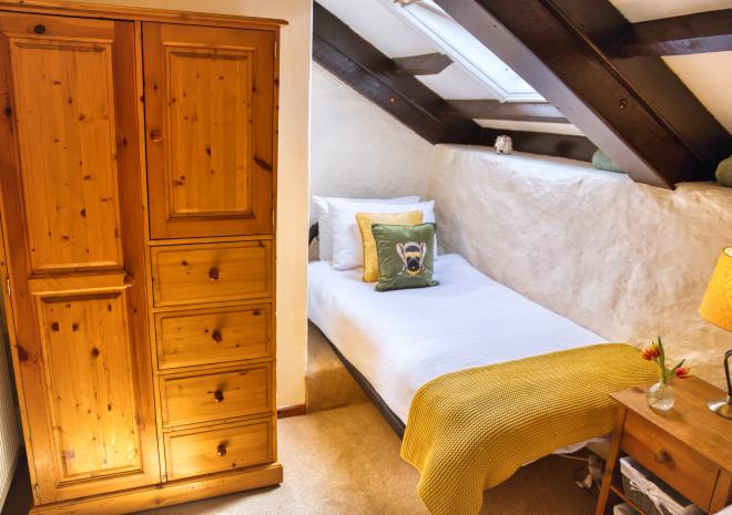 Thyme Cottage - Twin Bedroom