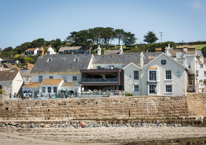 Beachside restaurant with rooms in Marazion