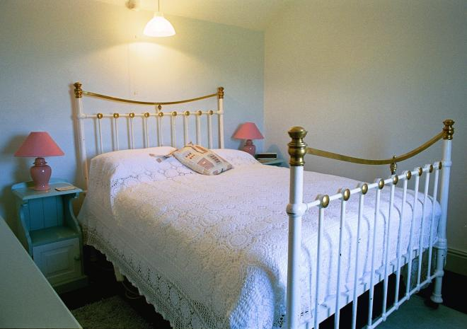 Treeve Moor Cottage, Sennen, double bed, self catering, West Cornwall