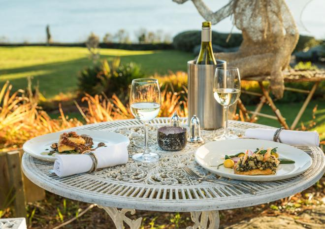 Outdoor dining, Talland Bay Hotel