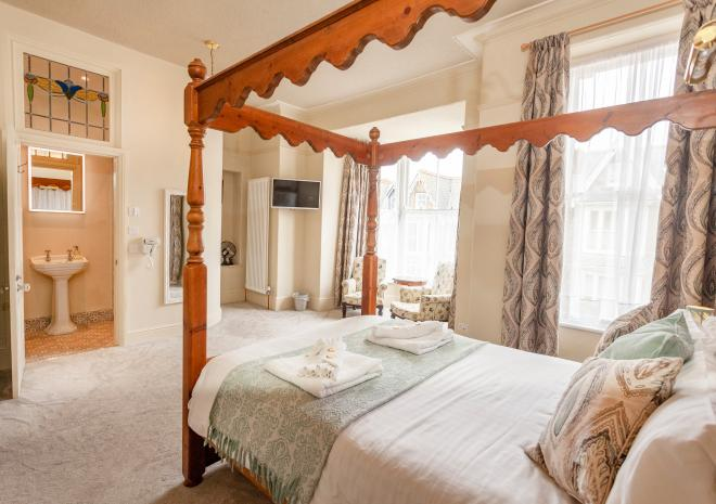 Four Poster Suite - Bedroom